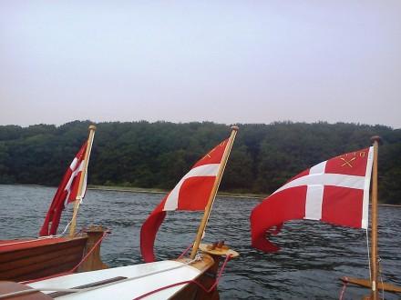 3 flag på fjorden